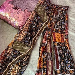 Floral print palazzo pants 🌻